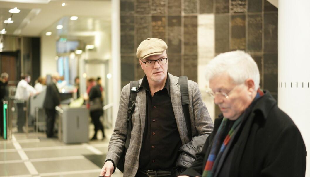 Nils Rune Langeland på veg inn i rettssalen. Foto: Ketil Blom Haugstulen