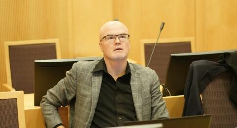 Langeland i retten: «Du er ganske vergeløs når noen driver elektronisk krigføring mot deg»