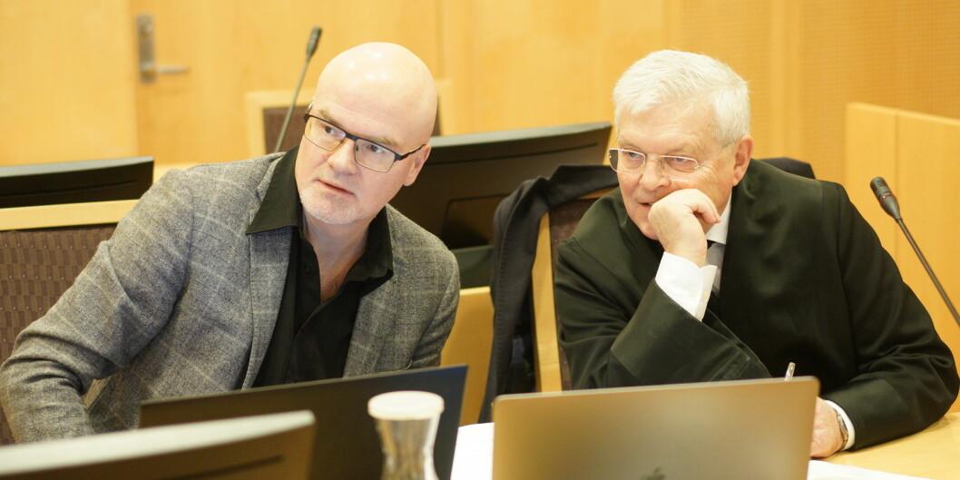 Nils Rune Langeland og hans advokat, Kjell Brygfjeld. Brygfjeld sier at dommen mot Langeland er en innskjerping av måten professorer kan leve på. Foto: Ketil Blom Haugstulen