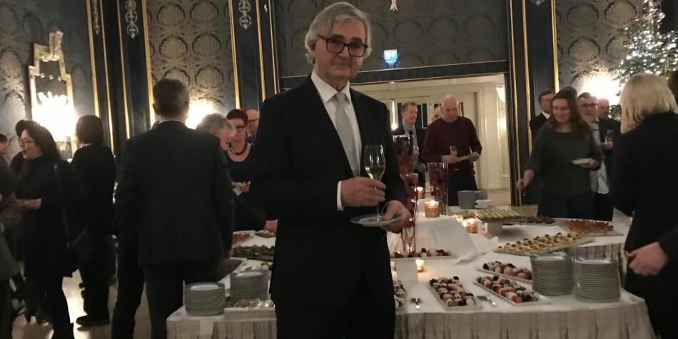 Kunnskapssektoren og fagforeningskamerater takket av leder i Forskerforbundet, Petter Aaslestad, i Rokokkosalen på Grand Hotel i Oslo. Foto: Tove Lie