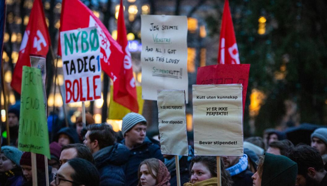 Studenter landet rundt protesterte mot endringene i studiefinansiering 28. november. Foto: Runhild Heggem