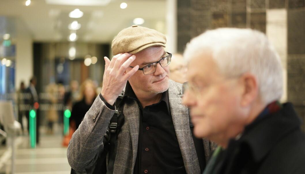 Nils Rune Langeland og advokat Kjell M. Brygfjeld (i forgrunnen) før rettssaken i desember 2018. Foto: Ketil Blom Haugstulen