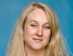 — Dei enkle tala viser ikkje forståing for korleis vitskapleg produksjon faktisk blir til. Om ein ikkje tar omsyn til stillingsnivå og disiplin, vil ein få eit feilaktig bilde av kjønn og produktivitet, seier Lynn P. Nygaard. (Foto: PRIO)