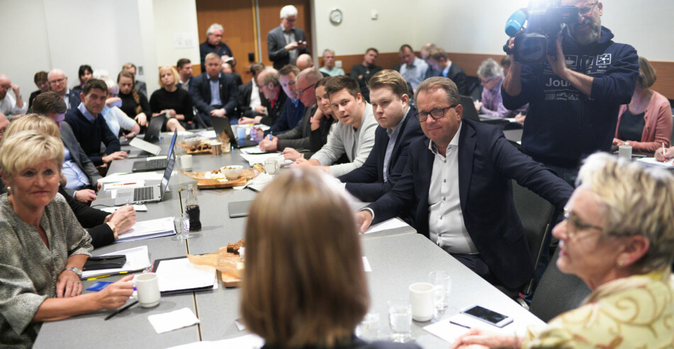 Forsknings- og høyere utdanningsminister, Iselin Nybø, møter styret ved Nord universitet og gjør det klart at de må vedta studiestedsstrukturen sin selv. Foto: Ketil Blom Haugstulen