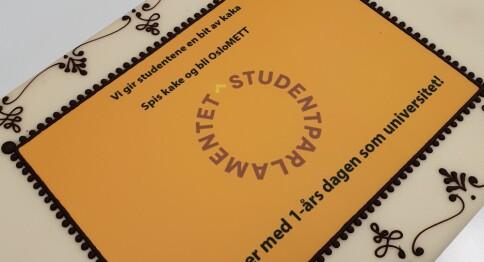 OsloMet: Studentene feiret ett år som universitet med kake