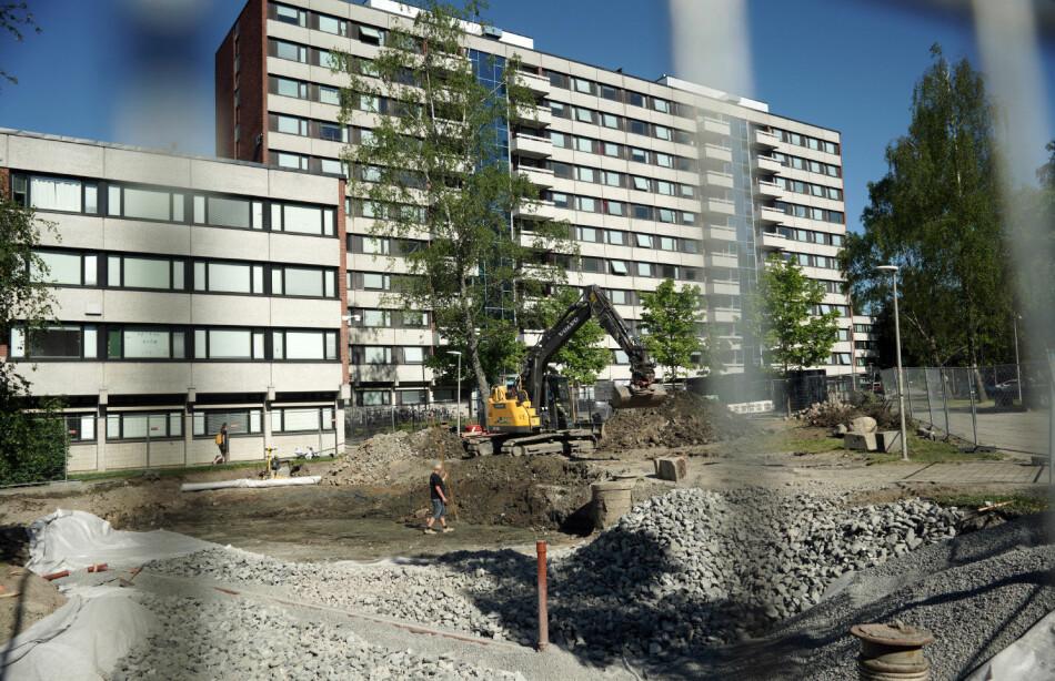 Slik så det ut da spaden ble satt i jorda for nye familieboliger på Kringsjå i Oslo. Her åpner det 82 nye i løpet av året - de eneste familieboligene på kort sikt. Foto: Ketil Blom Haugstulen
