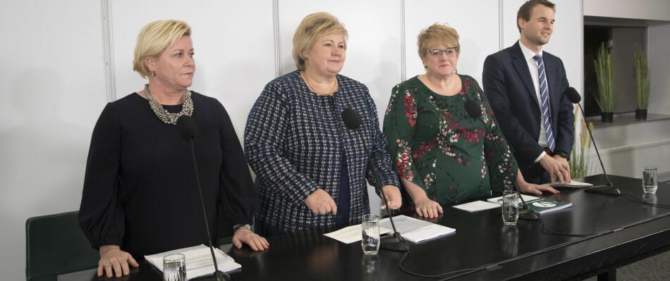 Ny flertallsregjering: Siv Jensen (Frp), Erna Solberg (H), Trine Skei Grande (V) og Kjell Ingolf Ropstad (Krf) lover fortsatt gratisprinsipp i høyere utdanning, Foto: Terje Bendiksby / NTB scanpix