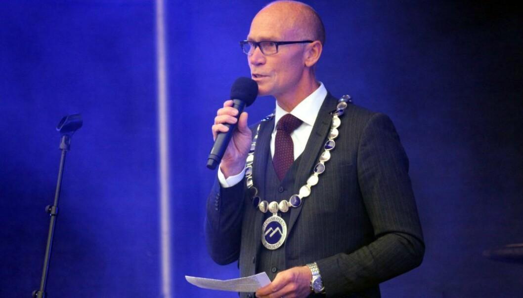 Steinar Kristoffersen får fire nye år som rektor ved Høgskolen i Molde.