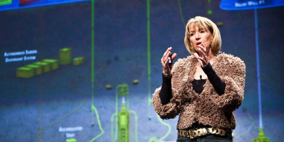 Marcia McNutt har hatt fremtredende posisjoner som forskningsdirektør og redaktør flere steder. Hun støtter åpen tilgang, men er kritisk til Plan S. Foto: PopTech/Kris Krüg/Flickr.com