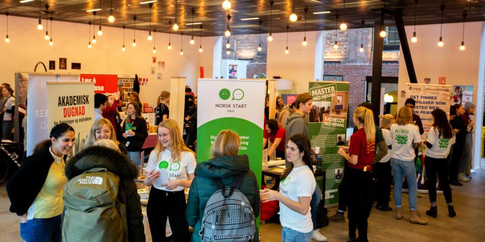 Over 100 studentforeiningar viste seg fram under foreiningsdagane ved OsloMet (bildet) og Universitetet i Oslo sist veke.