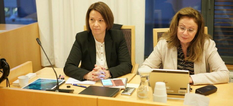 Regjeringsadvokat Hilde Lund og spesialrådgiver i Kunnskapsdepartementet, Bente Mørck Krogdahl. Foto: Ketil Blom Haugstulen