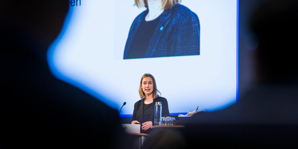 Statsråd Iselin Nybø deltar i europeisk utredningsarbeid om konsekvenser av åpen publisering og Plan S. Foto: Siri Øverland Eriksen