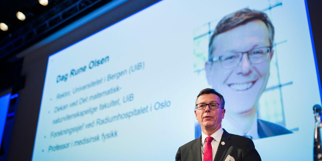 Rektor Dag Rune Olsen vil sende fleire studentar på utveksling til utlandet, og vurderer ulike grep. Foto: Siri Øverland Eriksen