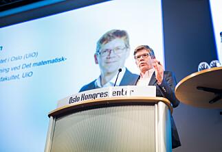 Rektor Svein Stølen: Er enig i at de må bli bedre på midlertidighet, men stiller krav tilbake til Nybø