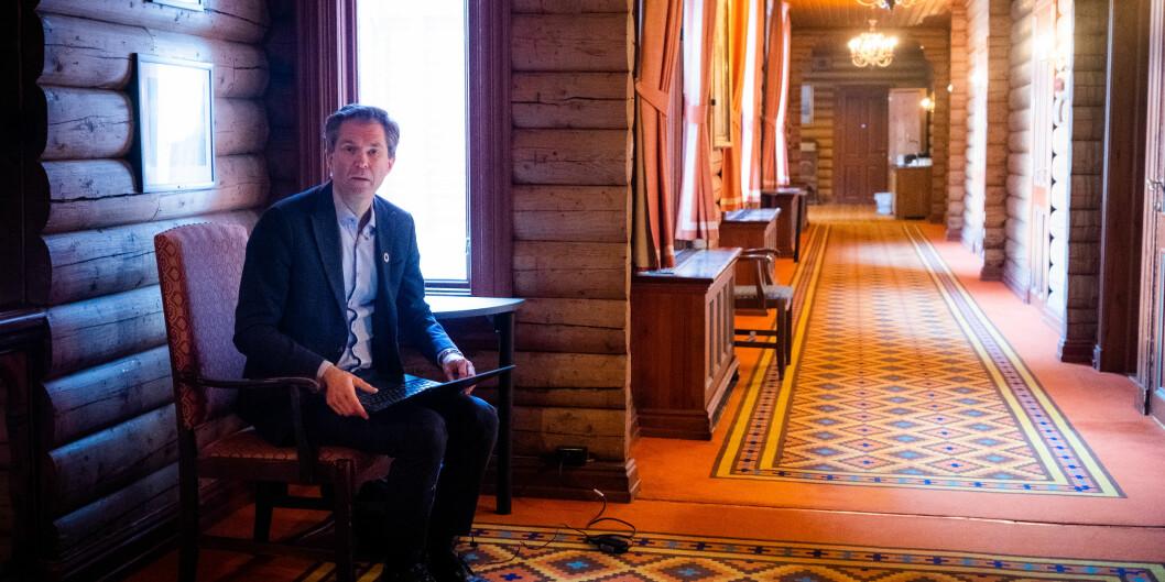 Direktør i Forskningsrådet, John-Arne Røttingen, under styreseminar på Scandic Holmenkollen Park hotell denne uka. Der redegjorde han blant annet for omstillingen Forskningsrådet går gjennom. Foto: Torkjell Trædal