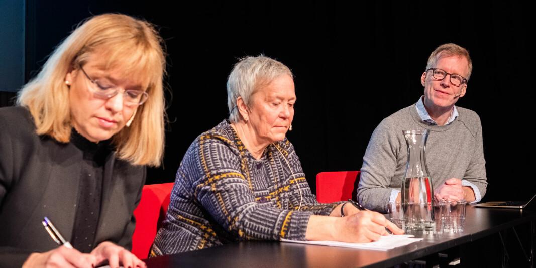 Direktør Åse Wetås (til venstre) i Språkrådet har vore kritisk til namna til fleire av utdanningsinstitusjonane - som Høgskolen i Innlandet og OsloMet - storbyuniversitetet. Universiteta er her representert ved rektorane Kathrine Skretting og Curt Rice.