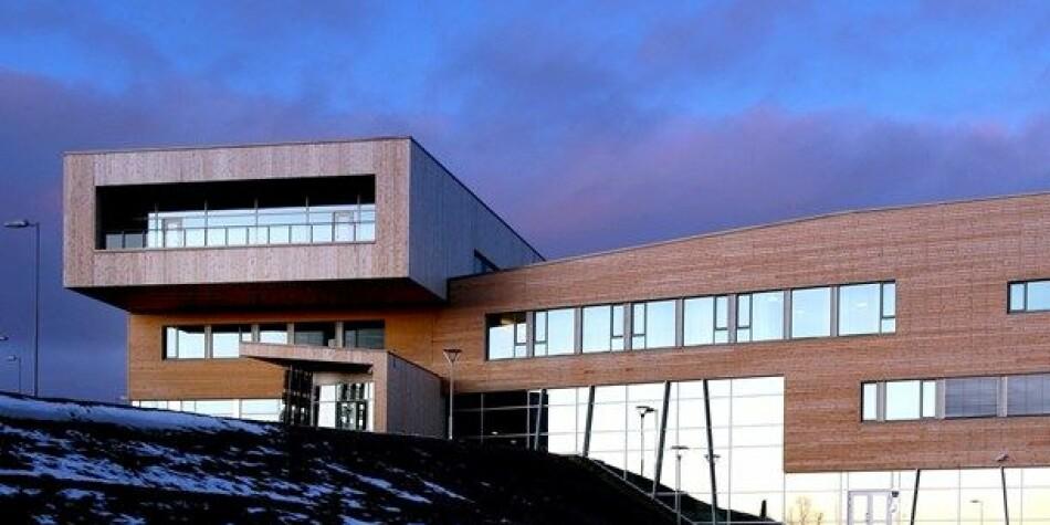 Samisk høgskole i Kautokeino er en av dem som skal ha nytt styre i år. Foto: Statsbygg