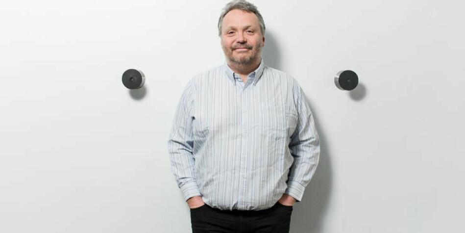 Ståle Einarsen er professor ved Universitetet i Bergen. Han har et sidegjøremål der han underviser og sertifiserer såkalte faktaundersøkere. Foto: Eivind Senneset/UiB