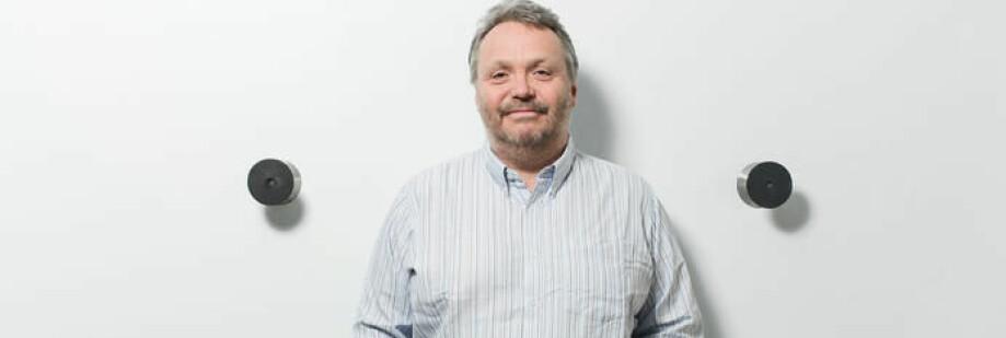 Ståle Einarsen er professor ved Universitetet i Bergen. Han har et sidegjøremål som er enda mer innbringende. Foto: Eivind Senneset/UiB