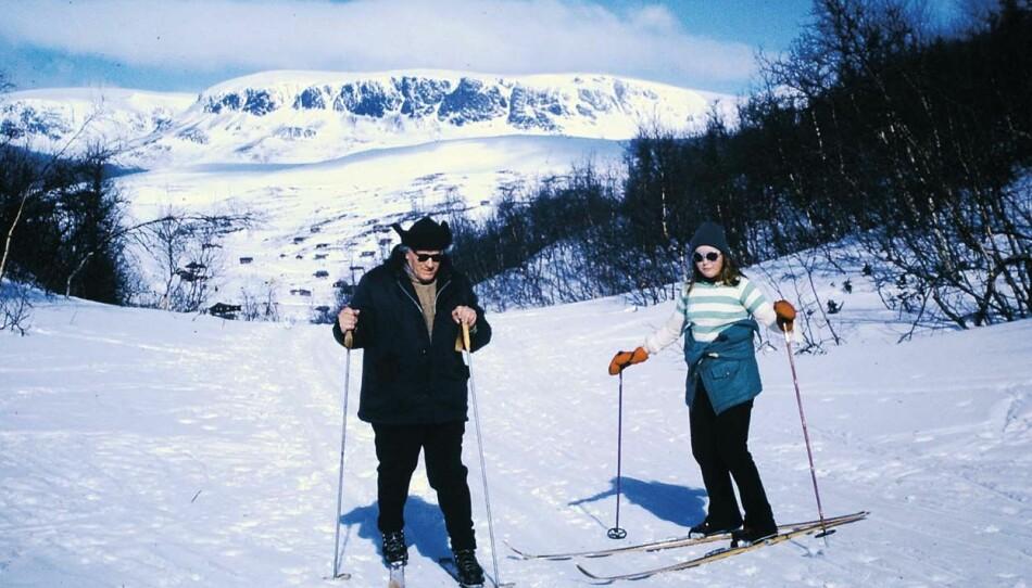 Stein viste ingen spesiell interesse for friluftsliv, men tok iblant barna med på skitur.