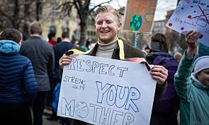 — Jeg er her for å støtte alle som vil redde jordkloden, sier student, Gaute Berg Næss. Foto: Siri Øverland Eriksen