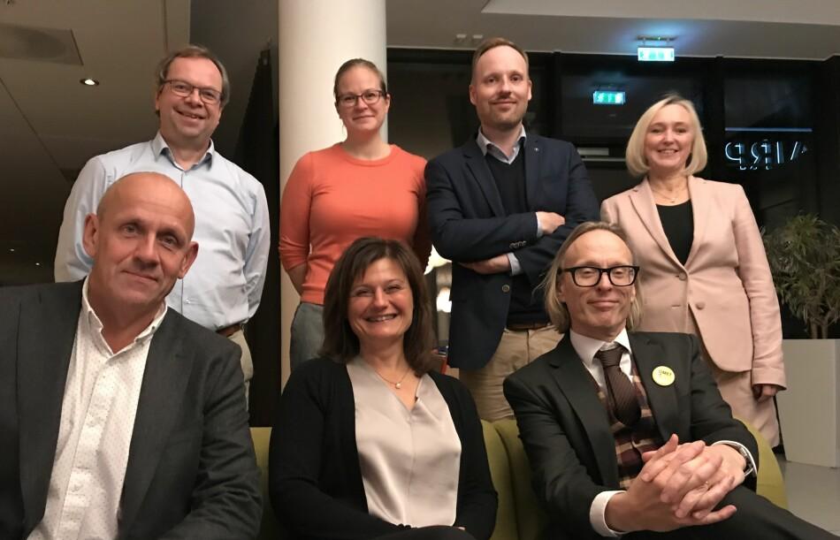 Styret i Nora, bak fra venstre: Kenneth Ruud, Rachel Thomas, Ole-Christoffer Granmo, Anne Cathrine Gjerde, Morten Dæhlen, Pinar Heggernes, Morten Irgens. Foto: Nora