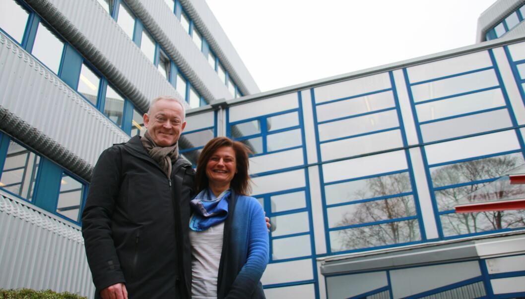 Direktør ved UiB Simula Kjell Jørgen Hole og instituttleder Pinar Heggernes, er begge stolt over kryptosatsingen i Bergen. Foto:Jan Willie Olsen