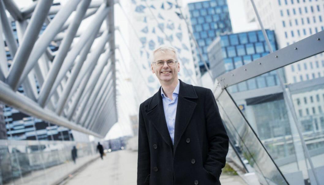 Rektor Øystein Thøgersen har doblet bionusen til forskere som får inn artikler i et av de 50 tidsskriftene som teller i Financial Times rangering av handelshøyskoler. Foto: Siv Dolmen/ NHH