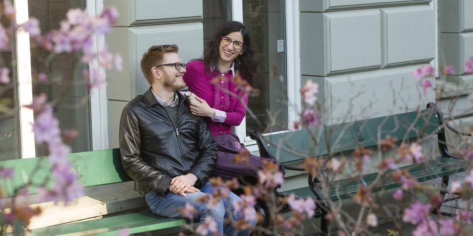 Forsker-ekteparet Raimondas Ibenskas og Adriana Bunea hadde faste jobber i Storbritannia. Men da det åpnet seg en mulighet i Bergen, dro de med en gang. Foto: Silje Katrine Robinson