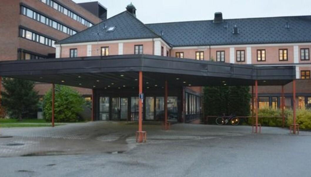En fatal hendelse ved Sykehuset Innlandet Elverum i november i fjor da en sykepleistudent uten kyndig veileder satte sprøyte feil. Foto: Sykehuset Innlandet