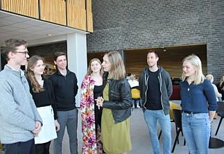 Her får Nybø råd fra studentene til hvordan få flere på utveksling