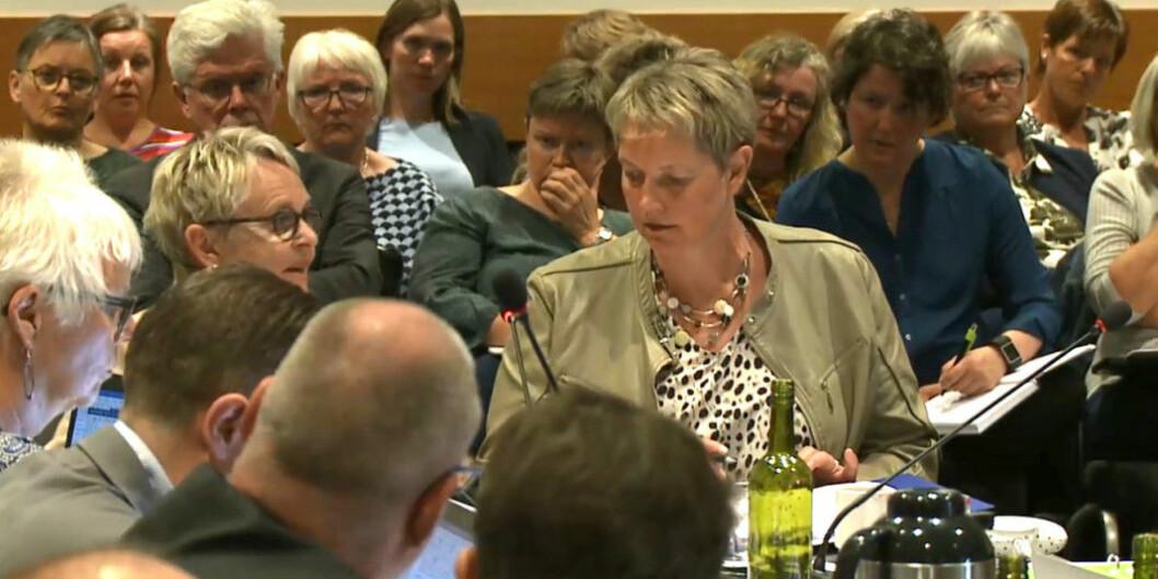 Konstituert rektor Hanne Solheim Hansen (t.h.) endrer innstilling etter høringsrunde og kutter studiesteder for 30 millioner kroner heller enn 50 millioner, som opprinnelig foreslått. Skjermdump fra forrige styremøte ved Nord universitet