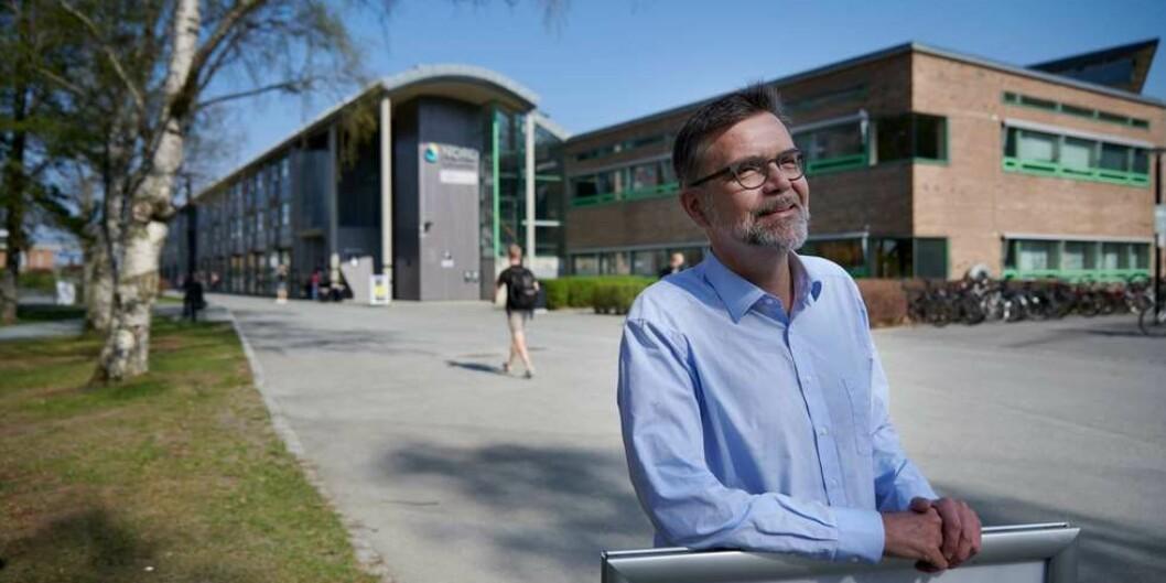 Professor Idar Kjølsvik ved Nord universitet i Levanger er positiv til framlegget frå rektor til ny studeistadsstruktur, med eitt unntak. Og han er ein av dei få som seier det høgt. Foto: Johan Arnt Nesgård, Trønder-Avisa
