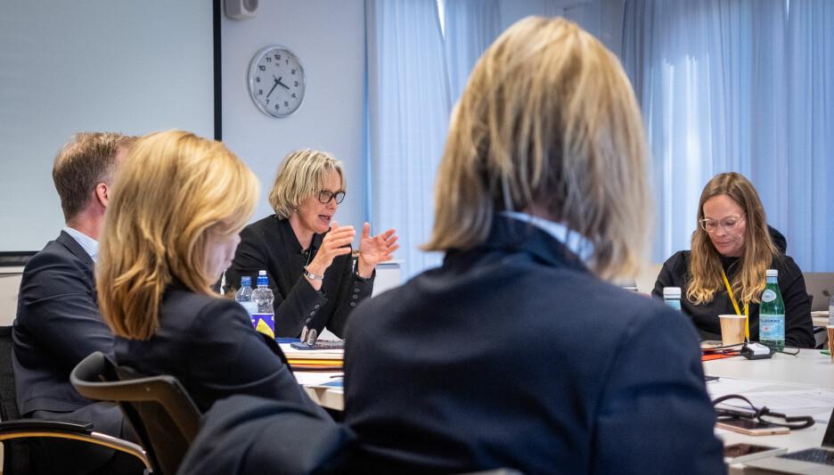 Styreleder Trine Syvertsen under styremøtet i dag. Syvertsen støtter innføring av fakultetsstyrer. Foto: Torkjell Trædal