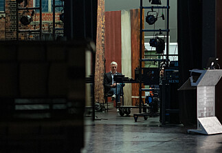 Kunsthøgskolen: Teaterlærer fikk sparken etter metoo-varsler. Nå går han til sak.