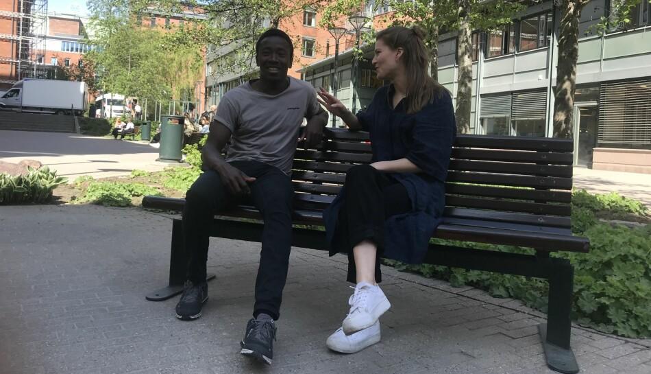 Kingsford Siayor og Ane Øverli er bekymret for en omlegging av den nasjonale teaterutdanningen ved Nord universitet, som de mener vil være en kraftig forringelse av tilbudet. Foto: Eva Tønnessen