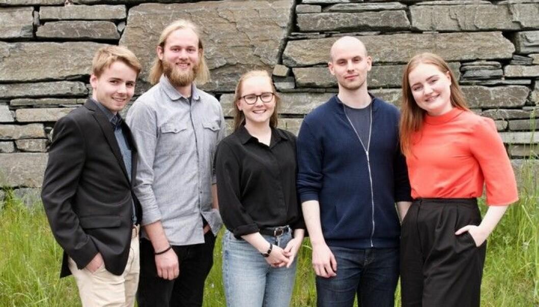 Nytt styre i Studentorganisasjonen i Agder, fra venstre Bendik Hagen, Sindre Nikolai Andersen, Benedicte Nordlie (leder), Adam Tzur og Olea M. Norset. Foto: UiA