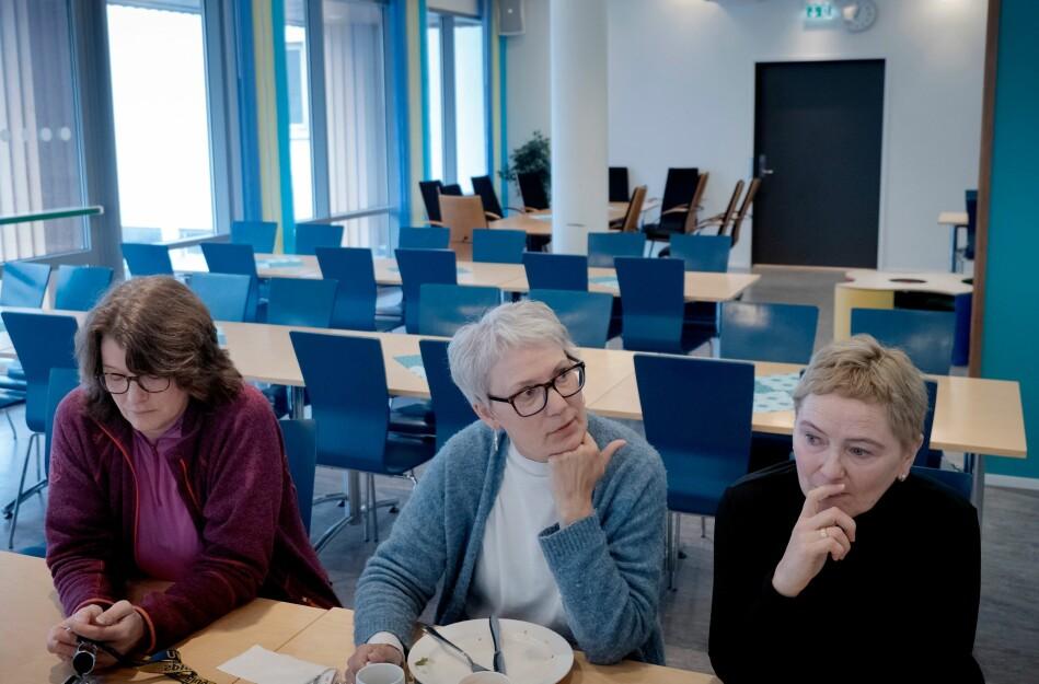— Eg mistenker at dei ikkje heilt har forstått geografien . Helgeland er eit enormt område, seier Marian Børli Sivertsen ved lærarutdanninga på Nesna. Her flankert av kollegaene Anne-Lise Wie og Katrine Fosshei. Foto: Paul S. Amundsen