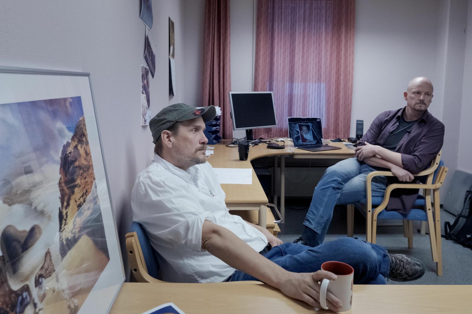 Digitalt, nærings- og framtidsretta, meiner Steven Ford (til venstre) og Trond Olav Skevik som arbeider på spellinja Steinkjer. — Fire år på å bygge InnoCamp i Steinkjer, og så flytte til Levanger? Det gir ikkje meining, meiner Ford. Foto: Paul S. Amundsen