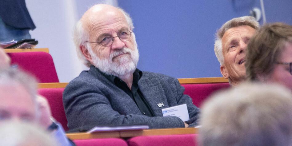 Skal - skal ikke: Petter Aasen, rektor Universitetet i Sørøst-Norge vurderer om han skal søke fire nye år som rektor. Foto: Siri Øverland Eriksen