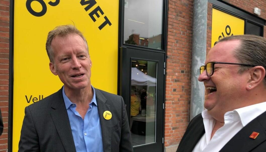 Rektorene Curt Rice og Arne H. Krumsvik har undertegnet en samarbeidserklæring. Foto: OsloMet