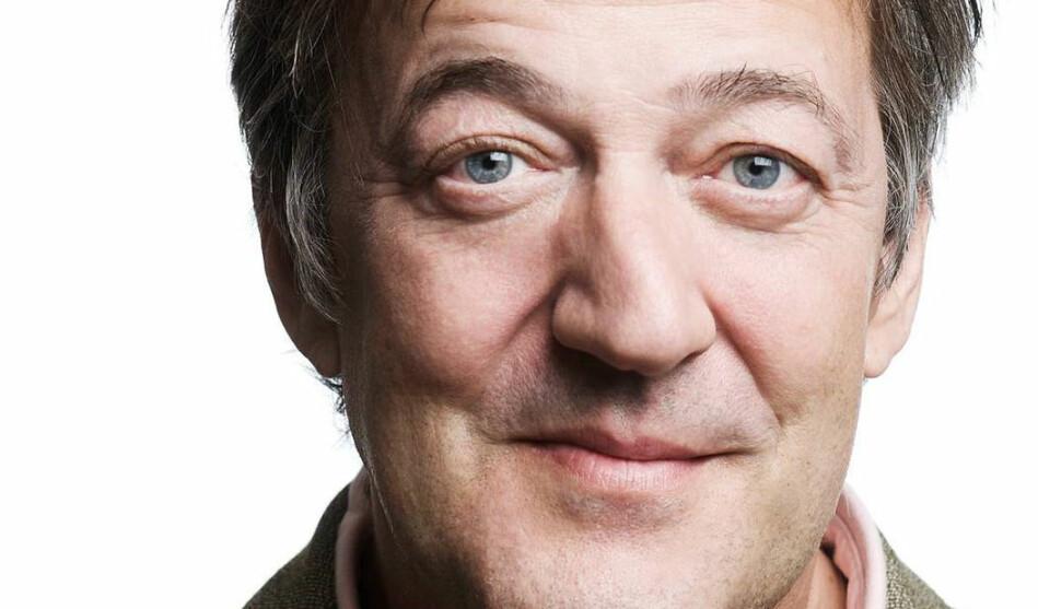 Den britiske komikaren, skodespelaren, forfattaren og journalisten Stephen Fry er blant stjernene som kjem til vitskapsfestivalen i Trondheim. Foto: NTNU/Big Challenge