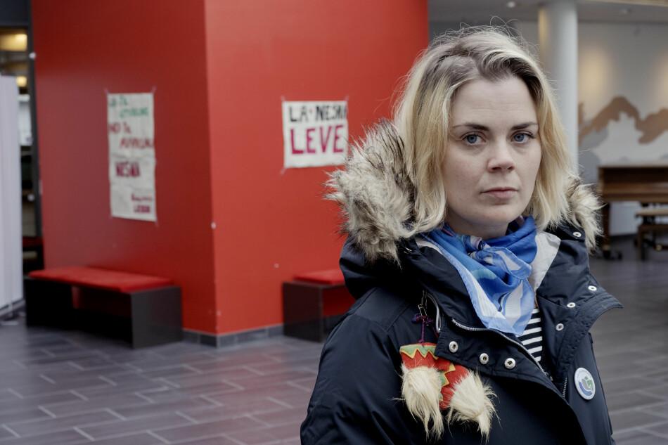 Artist Ida Maria Sivertsen er en av forkjemperne for å beholde høyere utdanning i Nesna. Foto: Paul S. Amundsen