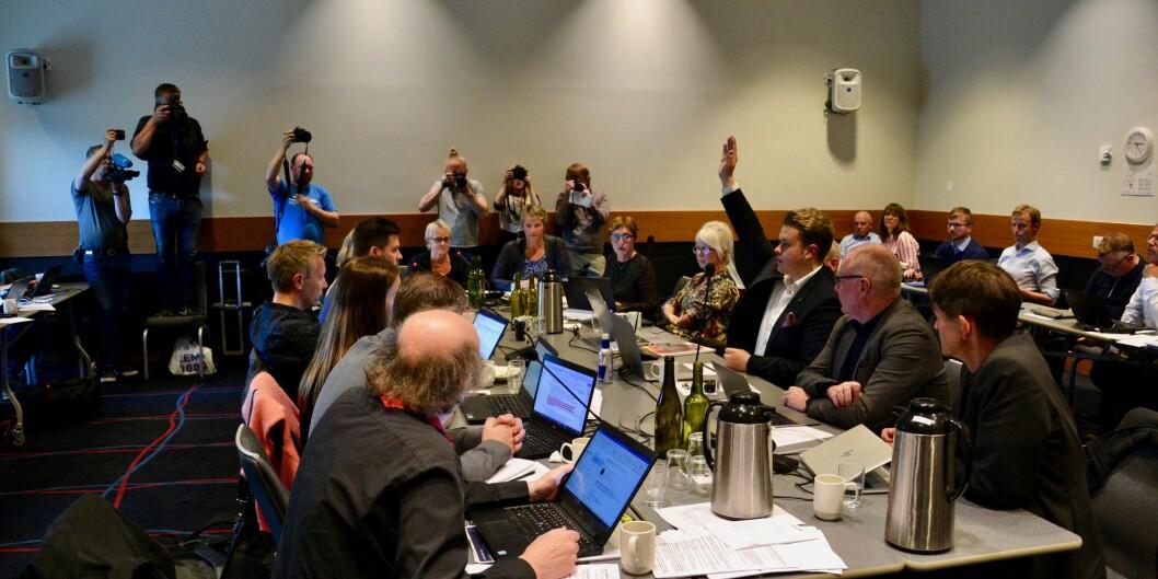 Student Mathias Lauritzen var den eneste som stemte mot innstillingen fra rektor Hanne Solheim Hansen, fordi han mente forslaget til strukturendringer ikke gikk langt nok. Foto:Øystein Fimland