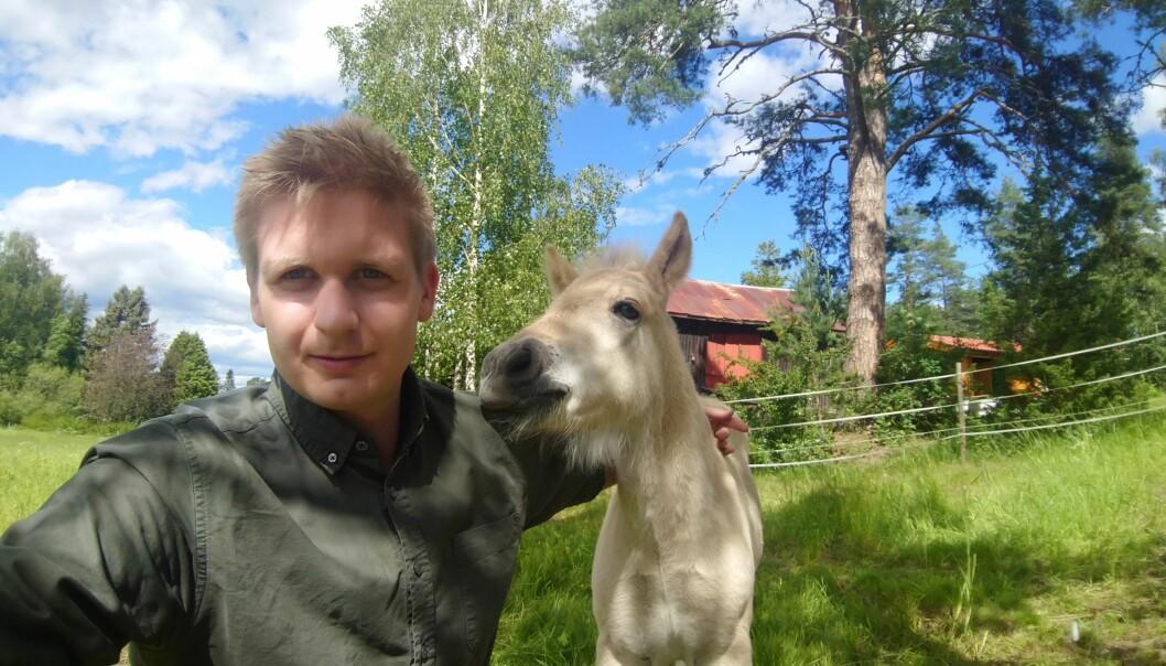 Gard Løken Frøvoll er ny leder av Velferdstinget i Oslo og Akershus. I ferien gleder han seg til å glemme at klokken eksisterer. Foto: Gard Løken Frøvoll