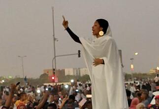 Sudan: Avgjørende avtale signert mellom protestbevegelsen og militærjuntaen