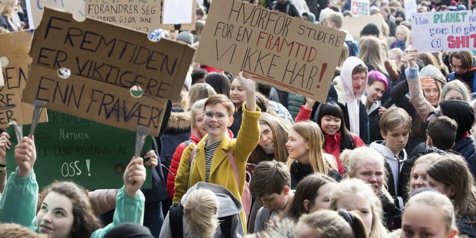 Leiaren for FNs miljøprogram, Inger Andersen, peikar på at det er dei unge som i aukande grad frontar kravet om å skjerpe innsatsen i arbeidet med klima- og miljøutfordringar. Bildet er frå klimastreik i Bergen i 2019. Foto: Silje Katrine Robinson