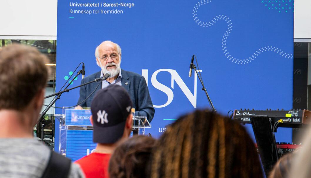 Petter Aasen fra da han talte under markeringa av studiestart på campus Drammen 2019.   Foto: Knut Jul Meland / USN