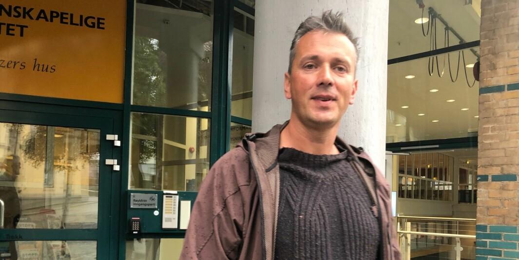 Førsteamanuensis Helge Holgersen ved Universitetet i Bergen mener kvaliteten på psykologutdanningen ved universitetet forringes.