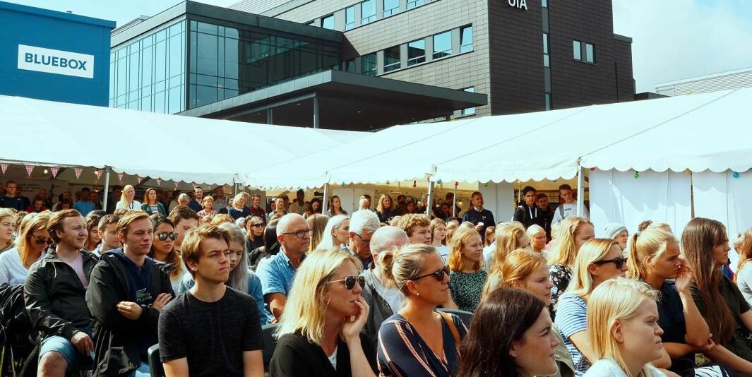 Fra studiestart for studentene på campus Grimstad, Universitetet i Agder. Studenten svarer at de savner å komme til campus å treffe hverandre og være fysisk tilstede i sitt læringsmiljø.